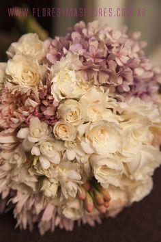 floresymasflores.com.ar