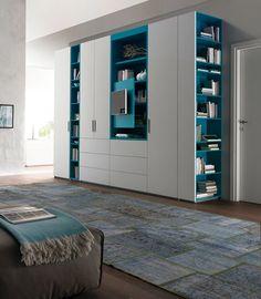 armadio bianco e azzurro
