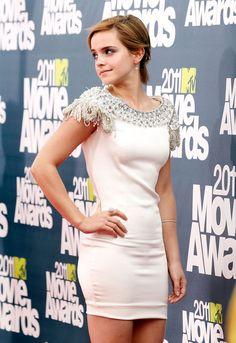 37 Times Emma Watson Proved That She's Always Been Super-Human Gorgeous Emma Watson Beautiful, Emma Watson Sexiest, Beautiful Gorgeous, Emma Watson Legs, Ema Watson, Hot Girls, Female Poses, Hermione Granger, Woman Crush