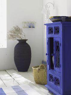 Para mi casa de pueblo { Ideas for my village house} Decor, House Styles, Painted Furniture, Blue House, Furniture, Interior, Home Decor, Color, Home Deco