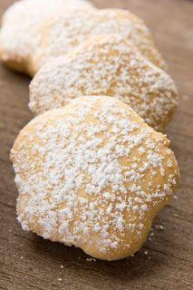 No fat cookies, low calories using sweetener instead of sugar. Gooey Cookies, Biscuit Cookies, No Bake Cookies, Bite Size Desserts, Cookie Desserts, Cookie Recipes, Sweet Recipes, Real Food Recipes, Low Calorie Cookies