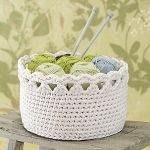 Esteri-kori ontelokuteesta (ohje suomeksi kangasaitta.fi) Diy Crochet Basket, Crochet Bowl, Crochet Basket Pattern, Love Crochet, Beautiful Crochet, Crochet Yarn, Crochet Patterns, Crochet Doilies, Yarn Crafts