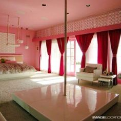 Glamour Beach House Design with Colorful Wall, Floor and Furniture Decorating - Home Design and Home Interior Hot Pink Bedrooms, Beach Bedrooms, Home Interior, Interior Design, Stripper Poles, Romantic Bedroom Decor, Bedroom Ideas, Design Bedroom, Architecture Design