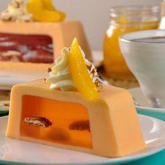 Find the best recipes for milk gelatin, gelatin cajeta or gelatin mosaic easy to prepare. Party Entrees, Facebook Recipe, Gelatin Recipes, Latin Food, Dessert Recipes, Desserts, Flan, Deli, Cake Decorating