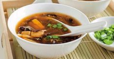 I vy milujete Čínskou ostrokyselou polévku? Nyní si ji můžete udělat v pohodlí domova a to takhle jednoduše … |