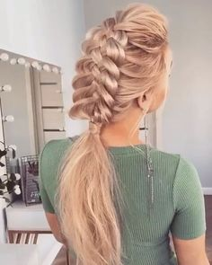 30 Tips to Make Gorgeous Braids for Blonde Hair Braids Blonde Hairstyle are among the most stunning creations in the area of hair design and hairstyles. Box Braids Hairstyles, Wedding Hairstyles, Cool Hairstyles, Back To School Hairstyles, Hair Dos, Hair Designs, Curly Hair Styles, Hair Color, Hair Beauty