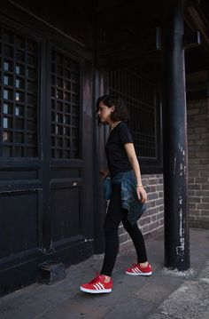 summer_ all black, black jeans, red shoes, jean jacket, short bob, curly