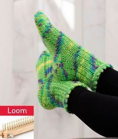 Sunshine Socks - Made with KB Sock Loom 2 and worsted weight yarn Knitting Loom Socks, Loom Knitting Projects, Knifty Knitter, Knitting Stitches, Knitting Needles, Knit Socks, Free Knitting, Knitting Tutorials, Knitting Machine
