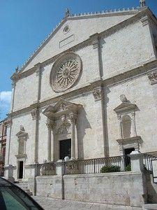 HiPuglia! | La Cattedrale di Acquaviva delle Fonti http://www.hipuglia.it/cattedrale-di-acquaviva-delle-fonti/