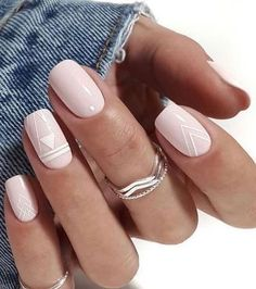 Nails in white gel: A range of ideas to adopt a very chic nail art - Women Style Tips. art designs classy Nails in white gel: A range of ideas to adopt a very chic nail art - Women Style Tips Chic Nail Art, Chic Nails, Classy Nails, Stylish Nails, Simple Nails, White Nail Designs, Nail Art Designs, White Nails With Design, Short Nail Designs