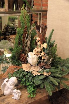 #Allerheiligen #Floristik #FRICK #Trend #Wohnen       Allerheiligen - FRICK Floristik & Wohnen im Trend Christmas Flower Decorations, Christmas Flowers, Christmas Centerpieces, Christmas Wreaths, Winter Floral Arrangements, Rose Flower Arrangements, Art Floral Noel, Cemetery Decorations, Deco Floral