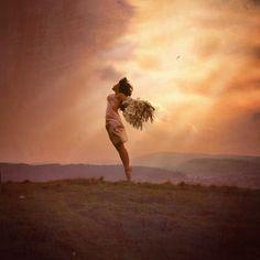 coisa de mulher...entre outras coisas...: Desculpe-me, mas acabei de renascer...Persegui, lutei, conquistei a liberdade...  figura reproduzida