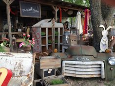 Black Crow Antiques and Curiosities