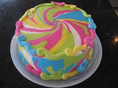 How to make a Tie Dye Cake- Use this concept to make cupcakes too!