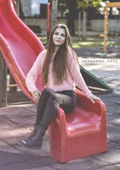 #portrait #brunette #photography #photo #czechgirl #nikonphotography #playground Foto Instagram, Nikon Photography, Louis Vuitton Twist, Shoulder Bag, Photo And Video, Portrait, Playground, Fashion, Pictures