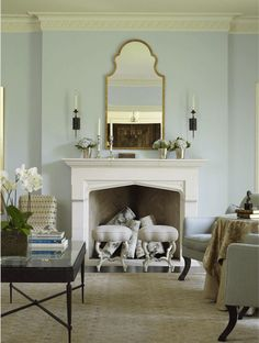 benjamin moore woodlawn blue Pretty living room sitting area in front of fireplace 140427 Pale Blue Paints, Blue Paint Colors, Wall Colors, Chinoiserie, Welcome Home Soldier, Interior Paint, Interior Design, Eclectic Design, Interior Modern