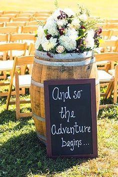 Vintage Wedding Decor Idea - Deer Pearl Flowers / http://www.deerpearlflowers.com/reception-decor/vintage-wedding-decor-idea/