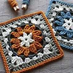 Crochet granny square pattern with flower motif. Neat circle inside a square crochet block pattern. Granny Square Crochet Pattern, Crochet Blocks, Crochet Squares, Crochet Blanket Patterns, Crochet Motif, Granny Square Tutorial, Free Crochet Square, Afghan Patterns, Filet Crochet