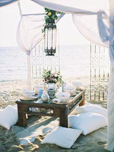 Dinner am Strand - mit unseren Kreationen sind Sie auch dafür perfekt gekleidet