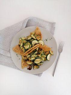 Kichererbsen Omelette, chickpea omelette, vegan omelette, eggfree, glutenfree, glutenfreies Omelette, Kichererbsenmehl, Protein Chickpea Omelette, Vegan Omelette, Protein, Risotto, Lisa, Ethnic Recipes, Food, Chickpea Recipes, Glutenfree