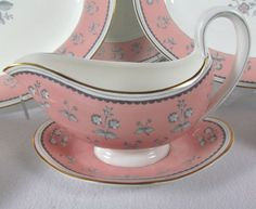 Pimpernel Pink Wedgwood English China Gravy Boat with Underplate W3652 Gold Trim #Wedgwood
