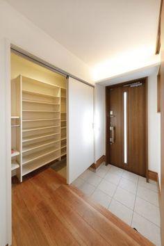 House Entrance, Entrance Hall, Japanese Interior, Shoe Closet, Foyer, Garage Doors, House Design, Interior Design, Building