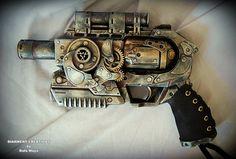 @: Steampunk Gun....love the gears