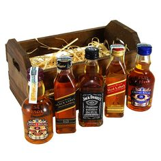 - Padrões em arte de correntes - Celulares e Acessórios Alcohol Gift Baskets, Alcohol Gifts, Romantic Gifts For Boyfriend, Boyfriend Gifts, Valentine Gifts, Holiday Gifts, Christmas Gifts, Mini Bottles, Hot Sauce Bottles