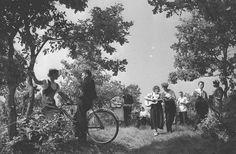 Колхозная массовка в честь выборов в Верховный Совет РСФСР, 1938 г., Куйбышевская обл.