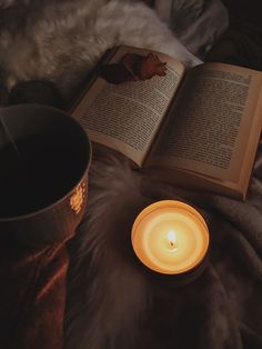 coffee and books for everyone 👻