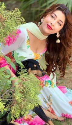 Sonarika bhadoria a Beautiful Girl Indian, Beautiful Girl Image, Beautiful Indian Actress, Sonarika Bhadoria, Indian Gowns Dresses, Stylish Girl Images, Only Fashion, Beauty Full Girl, Happy Girls