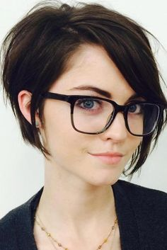 Best Short Hairstyles For 2018 ★ See more: http://lovehairstyles.com/best-short-haircuts-hairstyles/