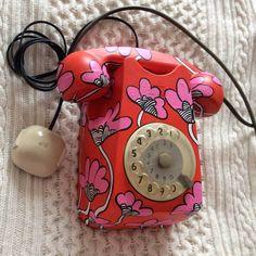 Vintage Pop Art, Old Phone, Art N Craft, Landline Phone, Art Inspo, Pineapple Upside, Ring Ring, Retro, Hui