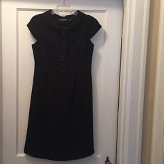 Black button up dress Cute black button up dress! Ellen Tracy Dresses Midi