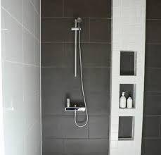 Kuvahaun tulos haulle pesuhuoneen hylly Laundry In Bathroom, Bathroom Hooks, Bathroom Ideas, Truck Seat Covers, House Extensions, Tiny House, Haku, Bathtub, New Homes