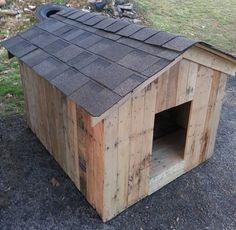 pallet-dog-house-with-shingled-chevron-top.jpg (960×936)
