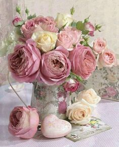 Delicate pink bouquet for spring tea party - Peonies Beautiful Flower Arrangements, Pretty Flowers, Floral Arrangements, Pink Bouquet, Floral Bouquets, Rosa Bouquet, Pink Roses, Pink Flowers, Shabby Flowers