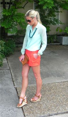 love, love this summery combo of aqua and coral.