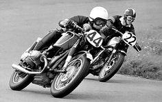 Vintage motorcycle race Racing Motorcycles, Vintage Motorcycles, Harley Davidson Motorcycles, Bmw Boxer, Bmw Cafe Racer, Cafe Racers, Motorcycle Wallpaper, Drag Bike, Dirtbikes