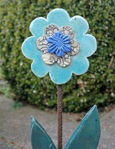 Gartendekoration - Keramik-Blume-Türkis - ein Designerstück von Kunst-und-Keramik bei DaWanda