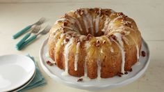Classic Pineapple Upside-Hummingbird Upside Down Poke Cake.Down Cake meets Southern favorite Hummingbird Cake in this very impressive (but very doable) dessert. A sweet pineapple drizzle poked into the cake makes it extra moist and delicious. Food Cakes, Cupcake Cakes, Cupcakes, Köstliche Desserts, Delicious Desserts, Easter Desserts, Easter Cake, Cake Recipes, Dessert Recipes