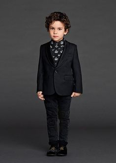 dolce and gabbana winter 2016 child collection 66 Fashion Kids, Little Boy Fashion, Young Fashion, Boys Curly Haircuts, Boys With Curly Hair, Boy Hairstyles, Dolce & Gabbana, Dolce And Gabbana Kids, Little Man Style