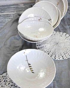 #porcelain #plates #handmade #postre #ceramics #heirloom #foodstyling #tableware #servingware #frenchceramics #gold #handcrafted #platters #wabisabi #creditphotomarieroura #myriamaitamarceramics