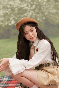Photo album containing 60 pictures of (G)I-DLE Kpop Girl Groups, Korean Girl Groups, Kpop Girls, Mode Kpop, Just Girl Things, Soyeon, Korean Beauty, Ulzzang Girl, South Korean Girls