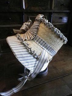 Kleidung um 1800: 1815 Chapeau de paille et soie Beautiful recreation