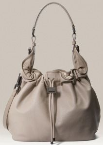 white bucket bag :) to die for!!