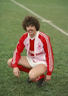New Nottingham Forest signing from Brighton, Peter Ward pictured before a match at the start of the season in Nottingham, England. Get premium, high resolution news photos at Getty Images Retro Football, Adidas Football, Football Kits, Vintage Football, Nottingham Forest Fc, Football Images, Soccer Guys, Brighton & Hove Albion, Association Football