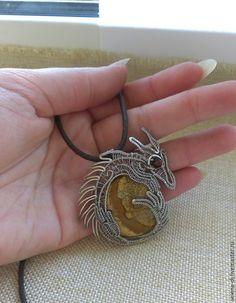 Купить Кулон Лунный дракон wire wrap - серебряный, дракон, дракончик, фентези, Модное украшение