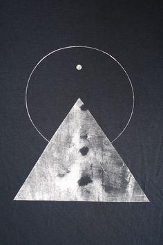 THE PYRAMID N.1  /  new age triangle tee /  dark cloud . white. / Sacred Geometry <3