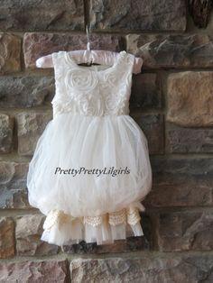White Flower Girl Dress, Rustic Flower Girl Dress,Ivory Flower Girl Dress, Country Wedding, Shabby Girls Dress Girls Holiday Dress,